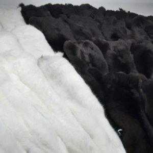 Набор покрашенных шкур — белый, черный
